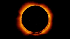 une-eclipse-solaire-annulaire-observee-en-2011-par-le-satellite-hinode_65444_w620.jpg